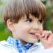 Почему ребёнок грызет ногти на руках— все причины