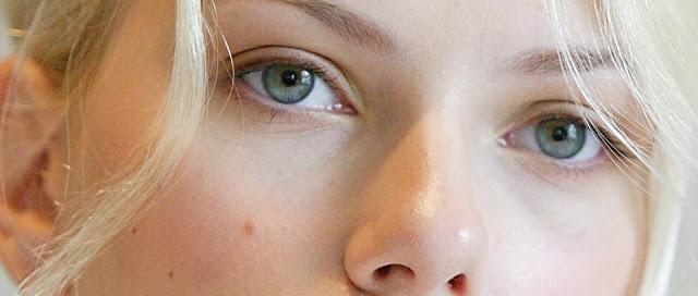 znachenie rodinok na lice u zhenshhiny