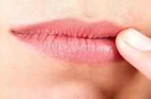 Трещины в уголках рта, какие причины и лечение у взрослых