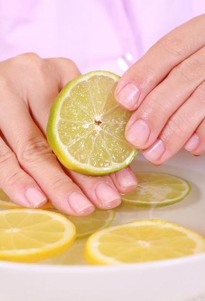 Как предотвратить трещины возле ногтей